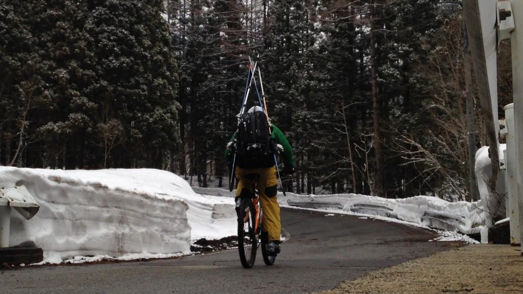 除雪完了の通行止の区間は、自転車でGO-